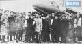 1943 год. Актюбинцы  с подарками приехали в воинскую часть.