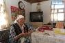 Нагима Ибраева: «Мне было 11 лет, когда началась война. Я даже 3 класса не доучилась. Нянчила младших детей, потом пошла работать.  Носки для солдат вязала, сусликов ловила, работала в поле. До пенсии в Кандыагаше в депо трудилась. Сыновья и муж умерли, т