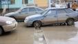 Перекресток улиц Уалиханова и Жанкожа батыра. После дорожных работ осталась яма на всю ширину дороги.