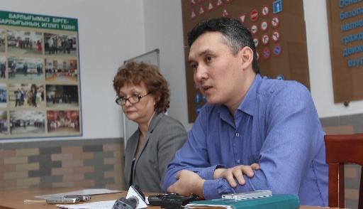 Секретарша просит повышения зарплаты видео, развращенные секс мамочки
