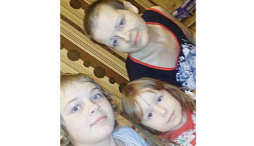 двух девочек раком
