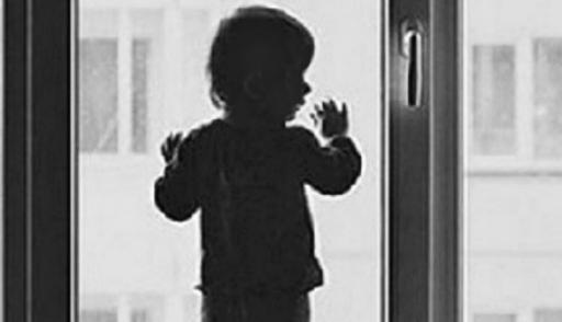 Ребенок выпал с 5 этажа фото