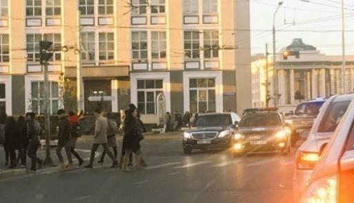 Кортеж президента Монголии пропустил пешеходов