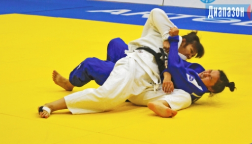 Актюбинская сборная победила в командной битве чемпионата по дзюдо