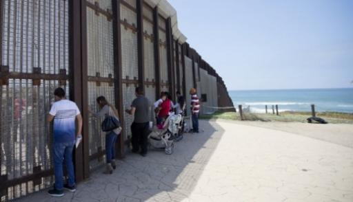 В Белом доме назвали стоимость стены на границе с Мексикой
