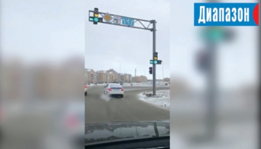 Народный репортёр. Автомобиль полиции проехал перекрёсток с нарушением